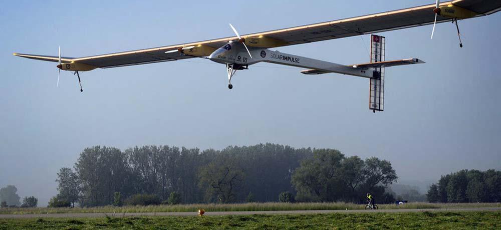 世界最大太阳能飞机首次洲际飞行
