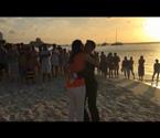 男子拍视频求婚365天