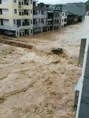 江西赣州发生特大洪水