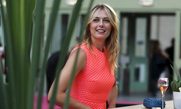 高清-莎娃粉色裙装出席活动 青春洋溢靓丽动人