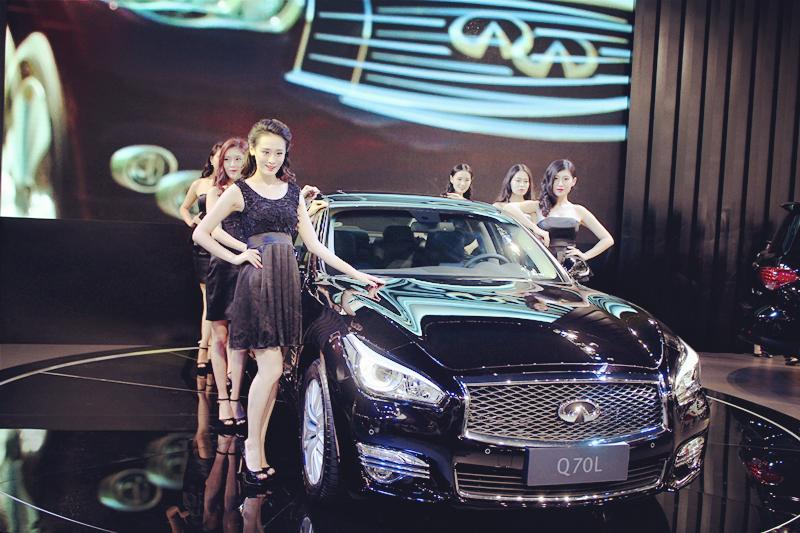 新英菲尼迪Q70L无锡国际汽博会荣耀上市