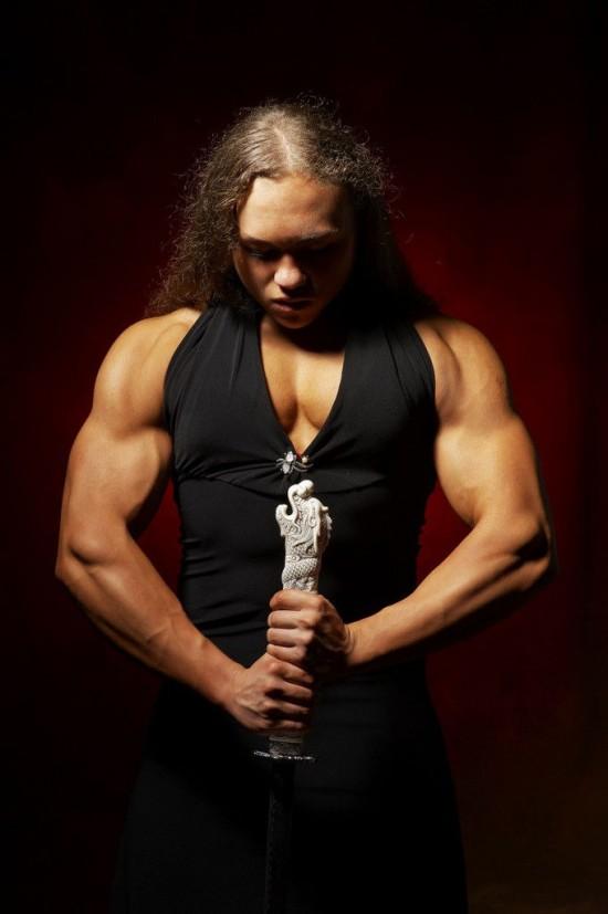 俄罗斯肌肉女汉子多次打破世界大力士纪录。