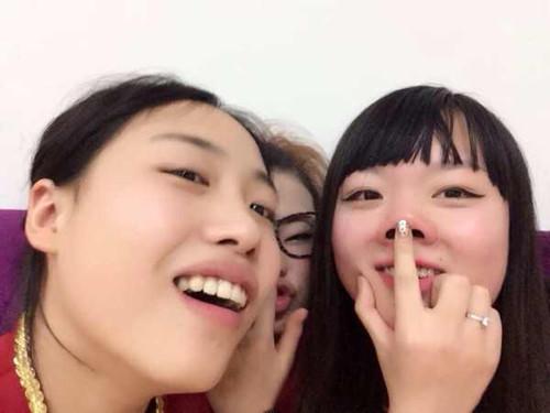 同学逗逼照(来源网络)