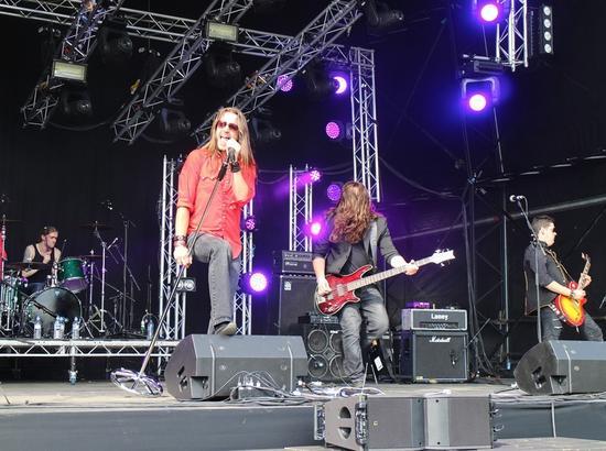 【度假】音乐拯救乡村 英国人度夏怎能少了音乐节