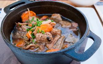 牛腩肉質韌性大 五香鹵牛腩美味可口