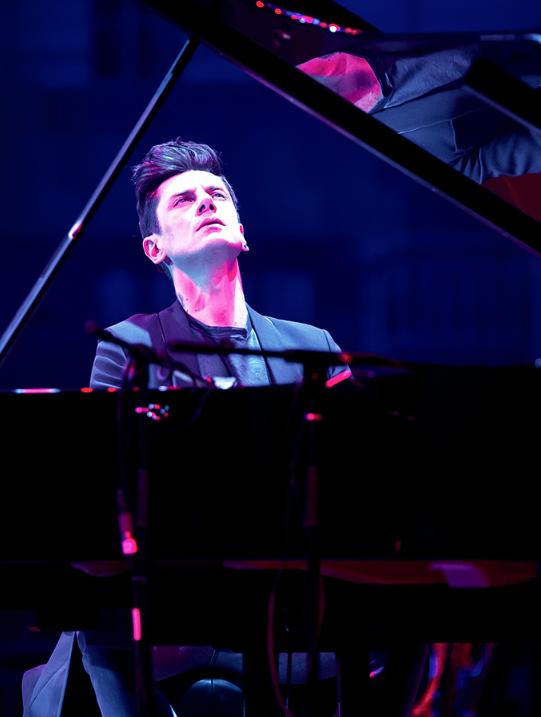 """个性十足的酷帅""""偶像派""""钢琴"""