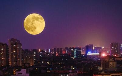"""""""蓝月亮""""现身蓉城"""