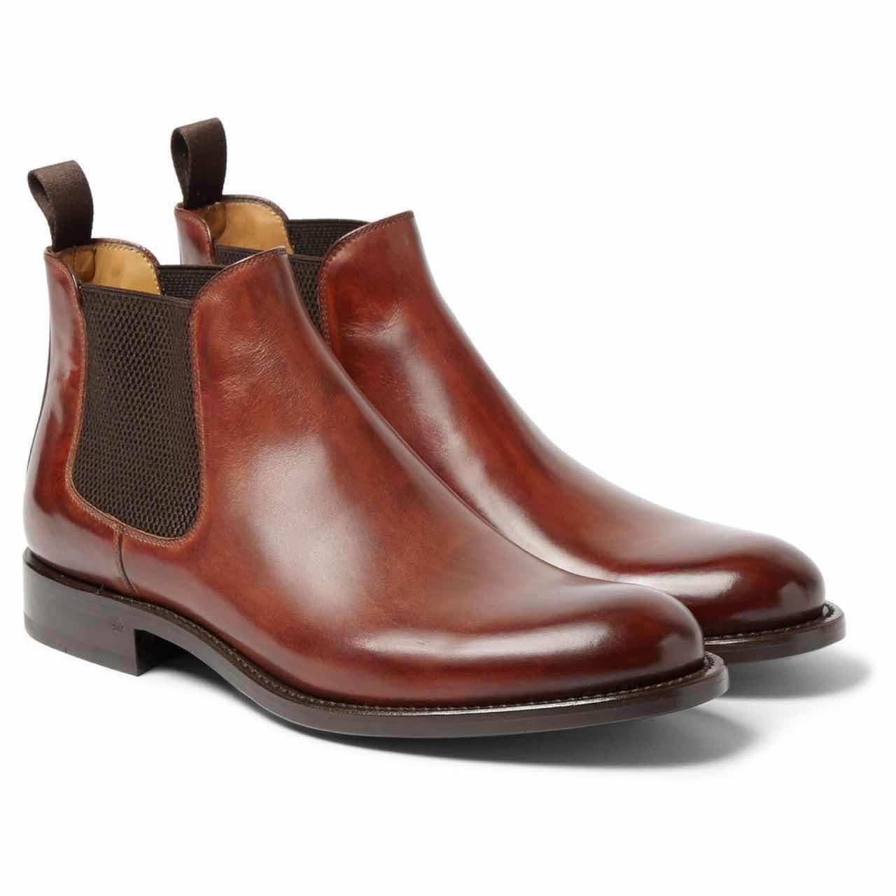 棕色牛仔靴