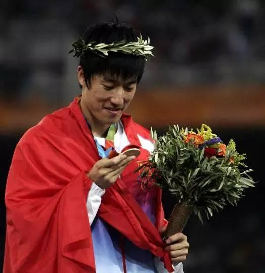 揭秘刘翔伦敦奥运退赛隐情:很多时候都是命运问题