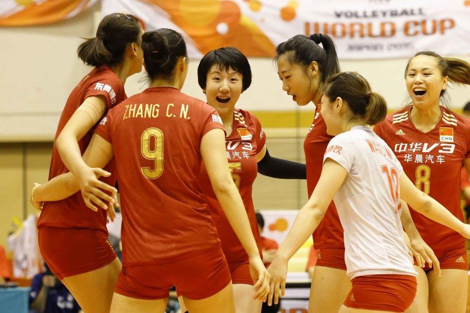 中国女排3-0零封秘鲁