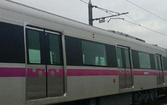 西安地铁三号线列车腰线粉色
