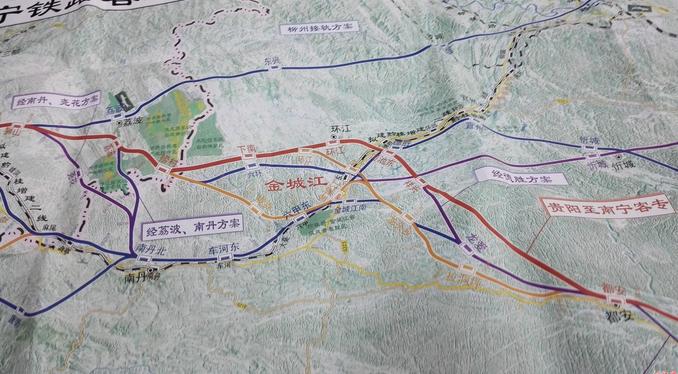 我国高铁里程达1.9万公里