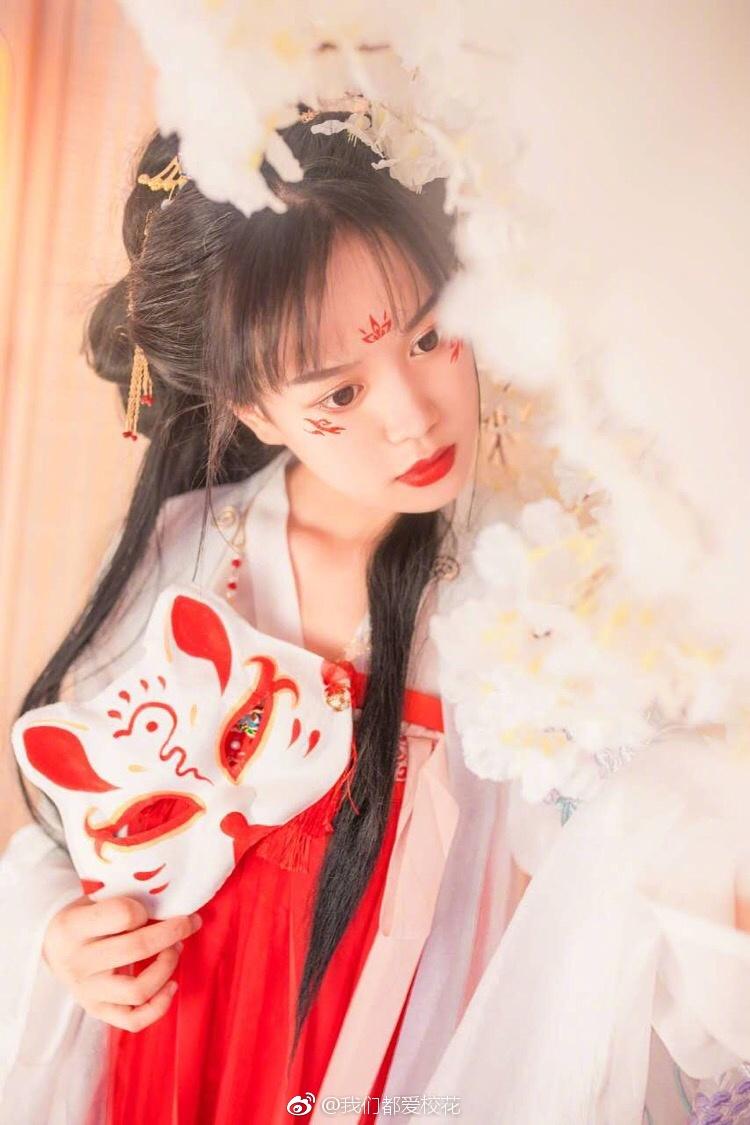 古典美女妖娆多姿 如仙女下凡