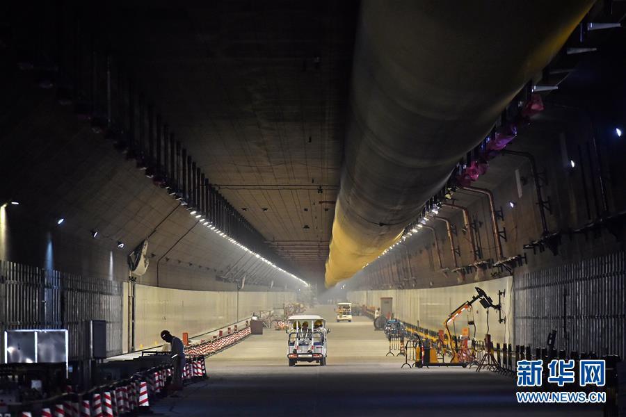 这是港珠澳大桥海底隧道内部(7月5日摄). 7月7日,港珠澳大桥海