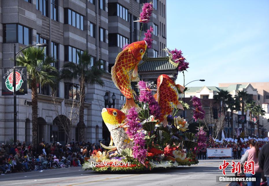 久负盛名的美国玫瑰花车游行已有逾百年历史,与纽约时代广场新年