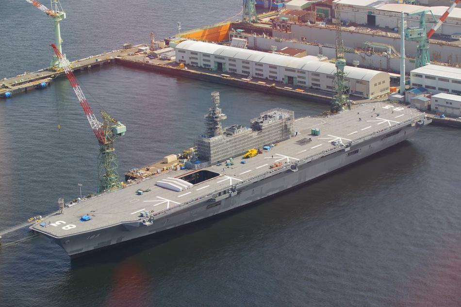 中国海军强劲对手!航拍即将变成真航母的出云号