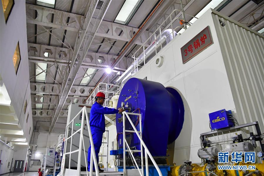 郑州市热力公司以热电联产为基础热源,燃气锅炉房为调峰热源,根据天气变化,合理灵活调配两种热图片