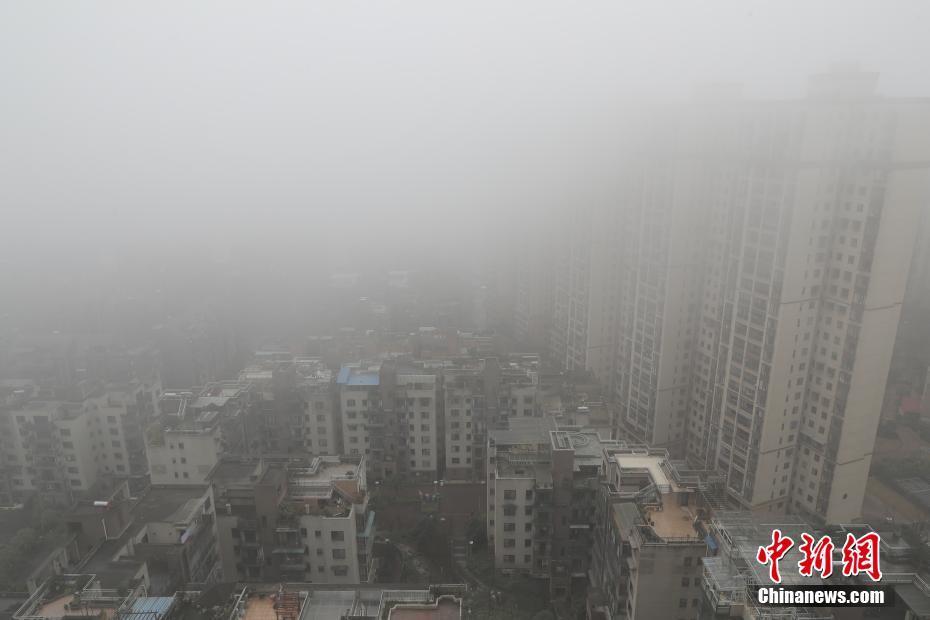 杭州大雾能见度小于500米
