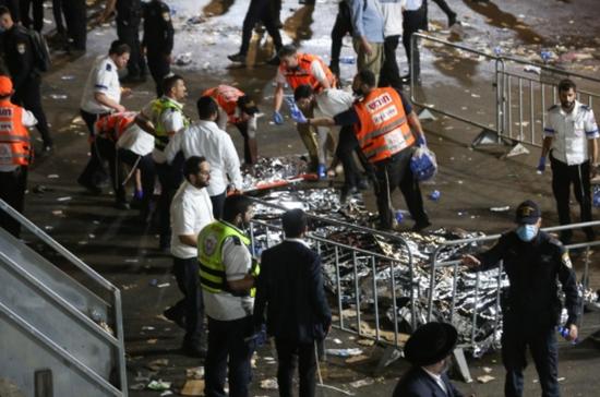 以色列踩踏事件致38死 事发前数万人挤看台上跳舞