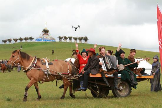 鄂温克旗乌兰牧骑登场