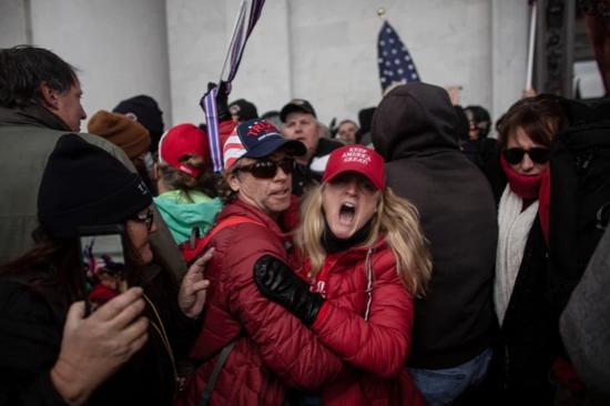 美疾控中心主任:国会暴乱可能导致又一波疫情