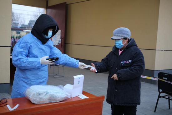 北京大兴区安定镇完成核酸检测3万余人 基本完成全员覆盖图片