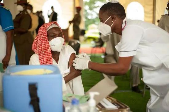 非洲疫情肆虐:G7见死不救,南非总统急了