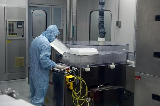 探访埃及本土化生产中国新冠疫苗工厂