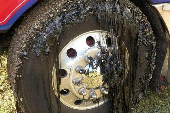 科威特73℃高温把汽车烤化了?太阳表示不背锅
