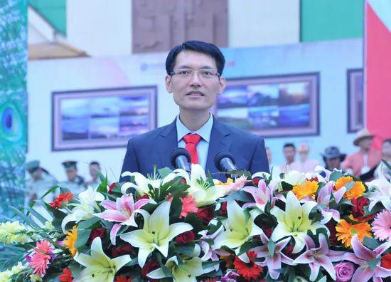 秦光荣的省长助理被查,曾是最年轻地市级党委书记、去职已6年图片