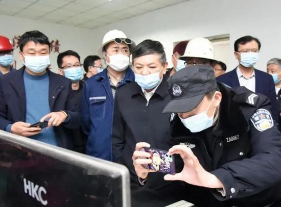 唐山成立调查组,被抓现行的总经理已行拘图片
