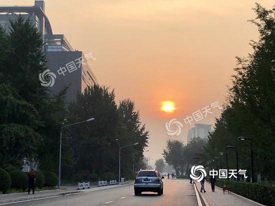今晨,北京天气晴好。(图/王晓)今晨,北京天气晴好。(图/王晓)