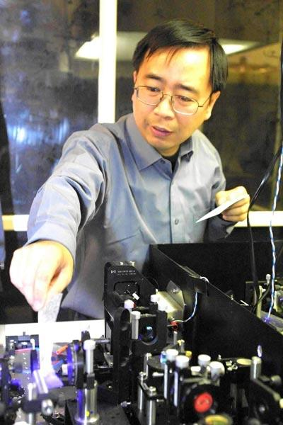 中国7月首射量子卫星 京沪间将建光纤量子网 量