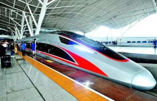 """目前,以武汉为中心,湖北将全国24个重点城市纳入了""""半天生活圈""""。"""