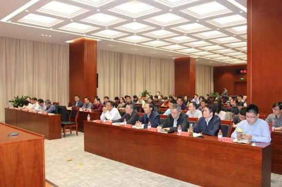 全市网信系统150余人参加会议。