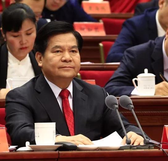 自治区党委书记、人大常委会主任李纪恒