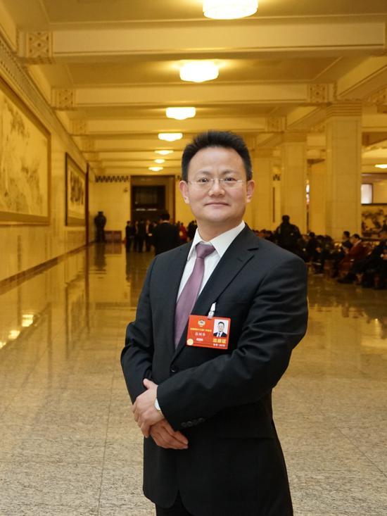 摩天招商:华委员摩天招商推进素质教育改革图片