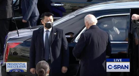 """拜登亚裔保镖身份曝光:曾组织两次""""金特会""""安保"""
