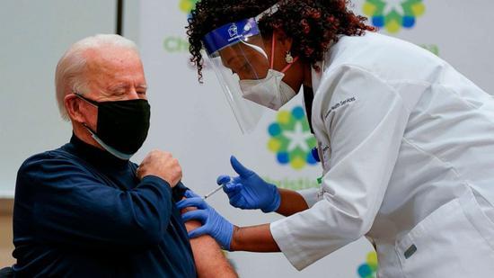 美国当选总统拜登公开接种新冠疫苗