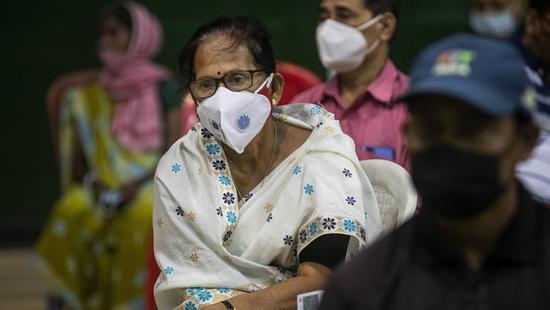 """印度医用氧气告急 却还在""""抵制""""中国援助?"""