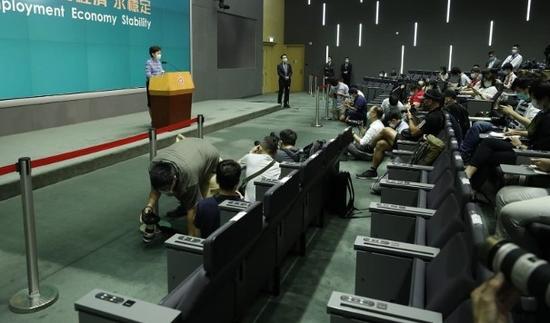 林郑:国家安全立法香港做不到 中央来做理所当然图片