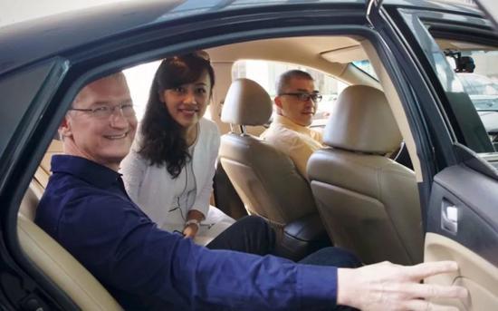 2016年,苹果CEO库克到访中国,曾与滴滴总裁柳青会面。