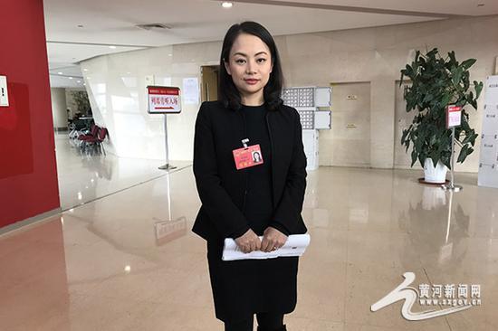 代表李雅娟:可以效仿其他省的相关法令来推出符合山西特色的禁塑令