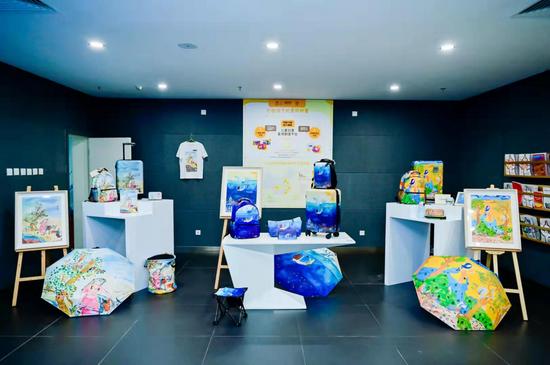 """""""天工界""""数字化展示体验中心儿童用品赛道展区"""