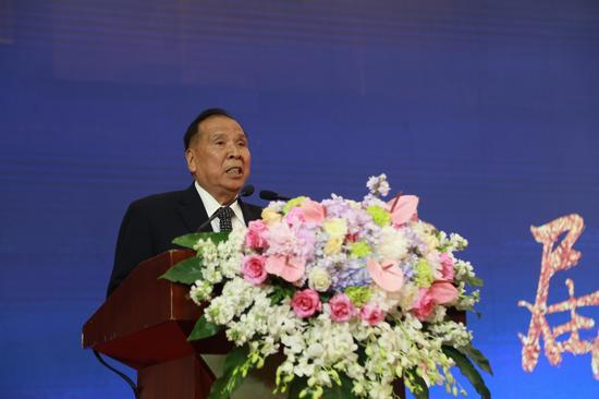世界家风大会永久名誉副主席、希贤教育基金会名誉理事长陈开枝先生讲话