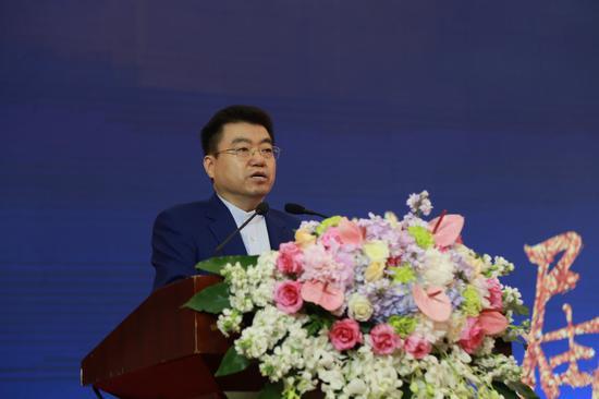 世界家风大会组委会副主席、中华炎黄文化研究会常务副会长兼理事长常文光讲话