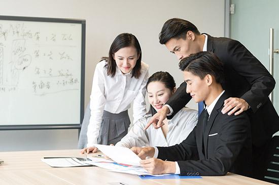 """""""95后""""港青在沪就业三年 未来计划""""扎根""""创业"""
