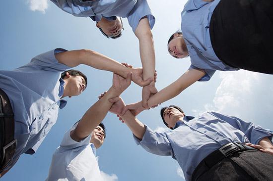 毕业季新疆人社部门提醒签劳动合同要注意这5点