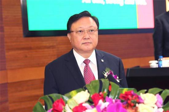 中国有色集团董事长王彤宙主持论坛并致欢迎辞