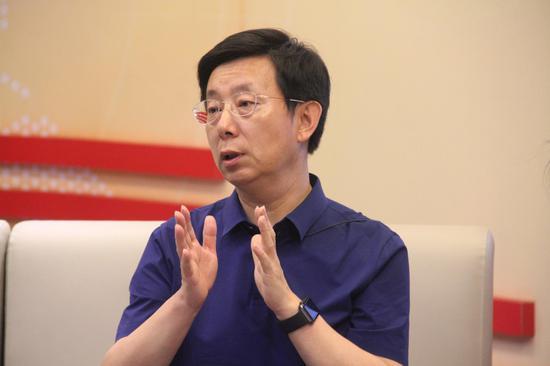 北京教科院语文市级教研员、语文名师 连中国